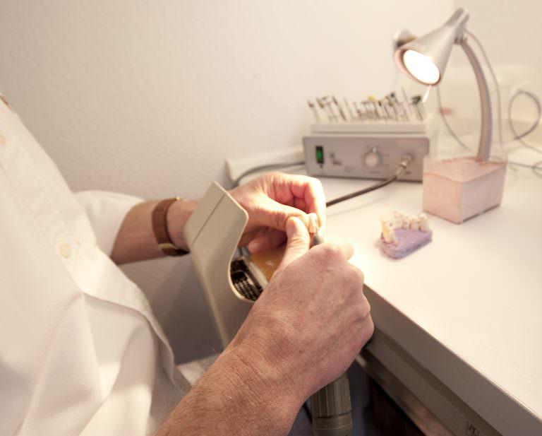 Aufnahme der Werkstatt in der Zahnarztpraxis in Oberursel